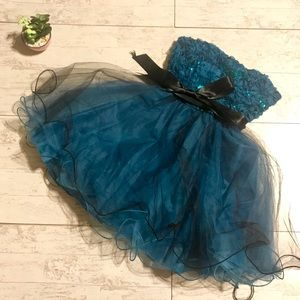 Juniors Teeze Me Party Dress sz 5 blue black